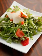 野菜ソムリエが作る新鮮野菜を使った『十祇家のサラダ』