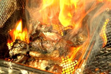 ●灼熱炭火焼き