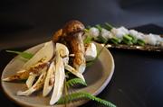 9月限定です。松茸と鱧をしゃぶしゃぶにいたします。〆のお茶漬けは松茸のお出汁が効いて最高なんです!