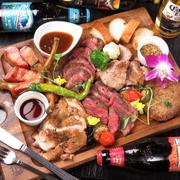◆人気ナンバー1を継続中の『お肉の祭典 肉盛りプレート』♪  レギュラーサイズ(4名様盛り) 4500円 ハーフサイズ  (2名様盛り) 2980円 さらに +500円で チーズポットをお付けできます。