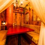 ゆったりと座れる半個室は、最大7名様まで収容可能