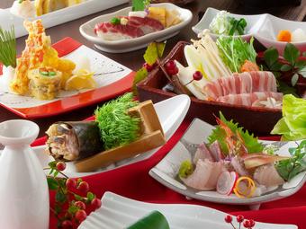 大切な仲間との食事会は、雰囲気抜群の空間と美味しい料理で。