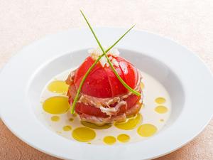 お店自慢の創作酢の物『生ハムとトマトの酢の物』