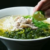〆にも食事の合間にもおすすめです。鯛から染み出た深い味わいの「出汁」がたまらない『鯛塩ラーメン』。