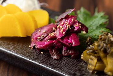 神戸牛・天空の肉寿司階段(2貫×7種)
