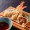 カラッと揚げたてを楽しめる、和食の王道『天ぷら』