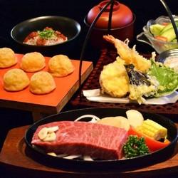 神戸牛サーロインステーキを中心に、隅々まで神戸産、兵庫県産の野菜・魚にこだわっています