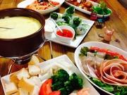 Tonn Cafe dining