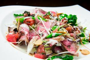 『和牛ローストビーフ』はバルサミコ酢でさっぱり 無農薬地野菜とともに前菜感覚で
