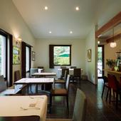 軽井沢の森に佇む一軒家レストラン