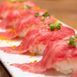 大人気肉寿司食べ放題プランがついにスタート!特別価格3000円!!平日限定プランです!