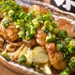 生でも味わうことができるほどの鮮度を誇る名物料理『焼きさがり』