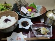 吉楽庵の平日ランチ。30種類以上の中からお好きな料理をえらぶランチ。 (10名以上の団体予約は出来ません。)