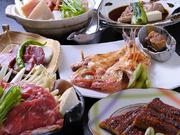 お造りやすき焼きなどのトッピング料理から1つ、または2つを選ぶスタイルの「お膳料理」。平日限定『花セット』や、炊き合わせ・茶わん蒸しが付く『吉楽膳』、前菜の付いた『食彩膳』など、セットメニューが充実。