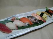 寿司盛り(9品)、茶碗蒸し、焚合わせ、味噌汁