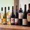 オーガニックや低農薬など、各国の自然派ワインがズラリ