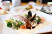 瀬戸内産 真鯛と天使海老のキュイ ~トマトソース&サフランクリームソースで~