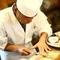 卓越した職人の技術が冴える、繊細かつ華やかな料理の数々