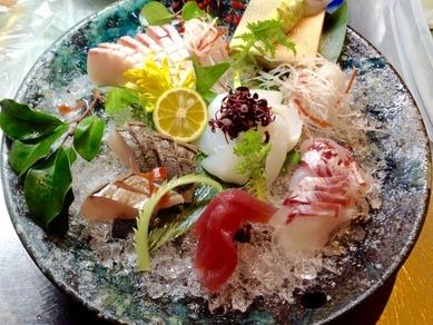 明石昼網を中心とした新鮮旬魚『刺身盛り合わせ』