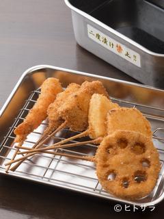 炭火焼鳥 吉平 本店の料理・店内の画像2