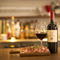 リーズナブルに楽しめる均一価格のボトルワインが常時20種類