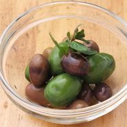 イタリア産オリーブの盛り合わせ