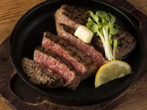 地元伊予牛のあっさりしていて柔らかい『和牛ステーキ』