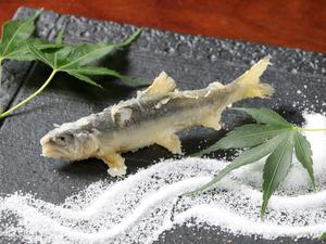 旬の野菜を数々使用。中でも『鳴門金時』の美味しさは秀逸