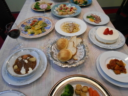 前菜 サラダ デザート コーヒー付 ソースはトマト ミートソース カルボナーラ バジルソース等有。
