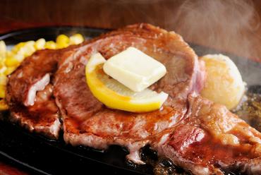 口に入れたらとろけそうなほど柔らかな食感の、最高級のステーキ肉を味わえる『サーロインステーキ』