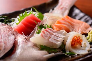 旬の鮮魚を市場から直送。イチオシの『お刺身盛り合わせ』