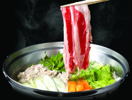70種類の料理やデザートにプラスして、ディナータイムはしゃぶしゃぶもビュッフェに含まれます