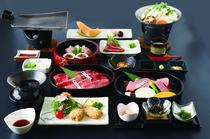 A5クラスの近江牛を、「焼きしゃぶ」「ステーキ」「タタキ」の3通りで味わえる『太郎坊御膳』