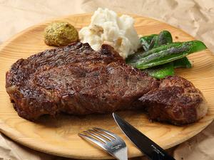 がっつり450gのお肉のかたまりを頬張る幸せ。『ブッチャーズリブ 1ポンド』