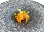 5皿提供される前菜のひとつ『ウイキョウ オレンジ エビ』
