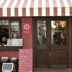 オシャレなバルスタイルで過ごせるチーズ専門店