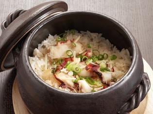 ふっくらと香ばしい炊き立てを味わえる『たこ飯』
