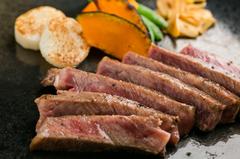 前菜、スープ、黒毛和牛ステーキ、すべてがおすすめのいちおしコース