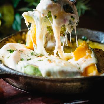 【2時間飲み放題付】 ラクレットチーズや美桜鶏のローストランチ