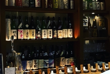 利酒師がこだわる、全国各地の熟成純米酒。
