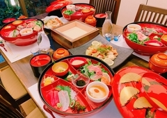 全席完全個室、すべて個人盛り(とりわけ不要)、コロナ衛生対策万全。お料理7品と2時間飲み放題付き!!