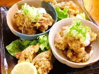 お客様に大人気、【居酒屋本舗カーブ】の鶏唐揚げ