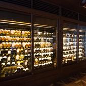 ワインの多彩なラインナップと豊富な在庫が自慢
