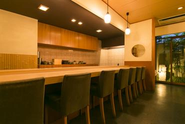 町家の引き戸を開ければ、京都らしさを感じる大人のための空間