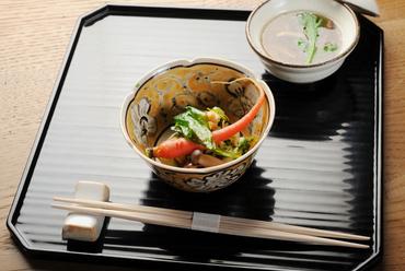 香り豊かに太刀魚を味わい尽くす『太刀魚の酢洗いりんご酢がけ』