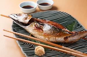 食材が本来持っている良さを活かした 『一本丸ごと!豪快浜焼き鯖(大)』