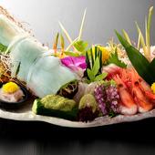 その日のおすすめ魚介類を堪能できる『活烏賊姿盛合せ』