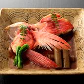 脂ののった金目鯛をていねいに調理した『金目鯛煮付』