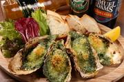 ニューオリンズの牡蠣料理の中でも一番のおすすめ。ほうれん草を練りこんだバターで焼き上げられた牡蠣は何とも言えないおいしさです。
