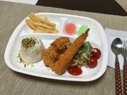 エビフライ/唐揚げ/本日のサラダ/ポテトフライ/ごはん/ミニゼリー